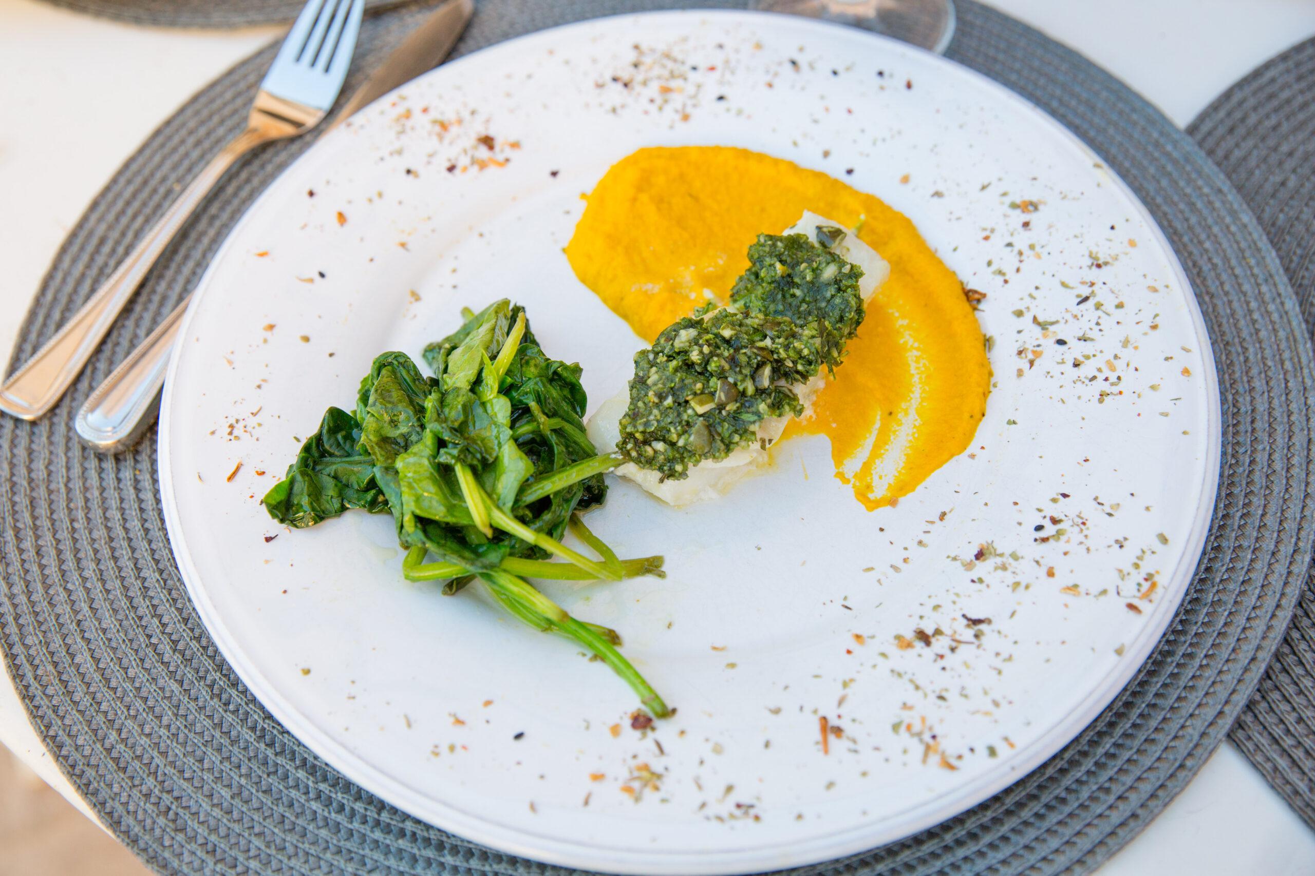 Mulet en croute d'herbes , légumaise aux carottes